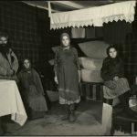 Interiorul unei case ţărăneşti din Basarabia