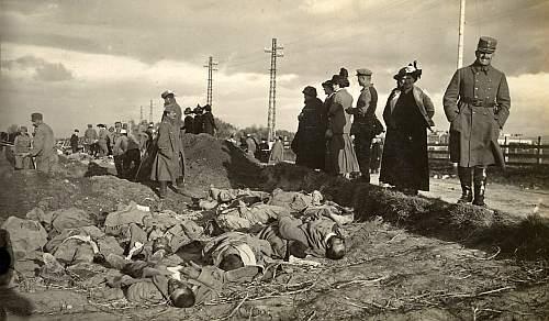 Inmormantarea soldatilor romani dupa masacrul de la Brasov 1916