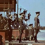 Regele Mihai si Maresalul Ion Antonescu inainte de inceperea defilarii parada de 10 mai 1943