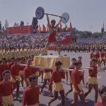 Sportivii la defilare în Bucureşti de 23 august 1964