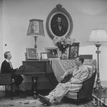 Elena Lupescu la pian, 1950 Estoril