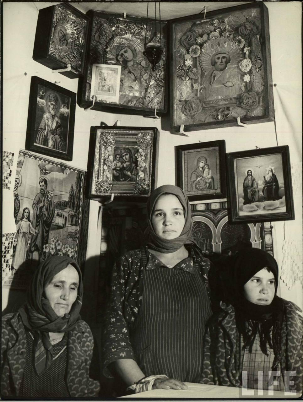Femei şi icoane din Basarabia
