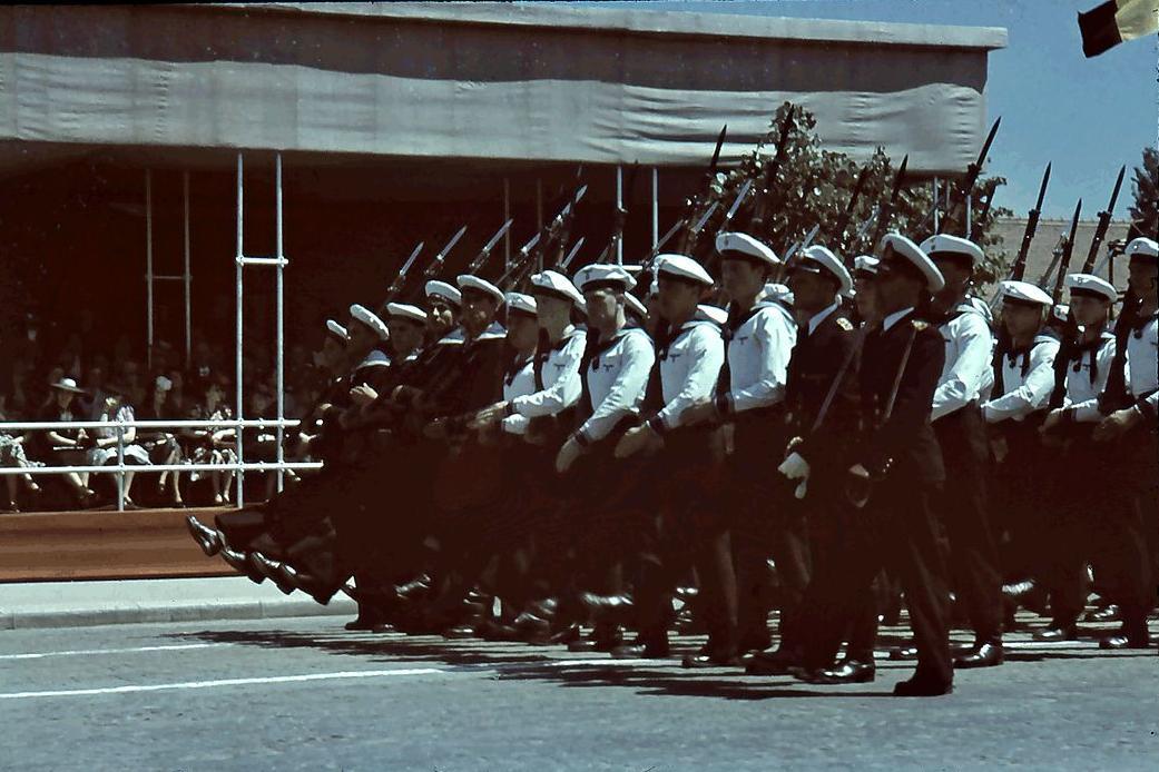Defilarea trupelor de marina parada de 10 mai 1943