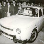 1968 - Nicolae Ceauşescu la volanul primei maşini Dacia 1100 produsă la Piteşti Fototeca online a comunismului românesc