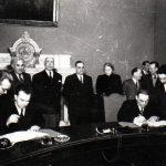 Ana Pauker la solemnitatea semnării la Consiliul de Miniştri a protocoalelor pentru dezvoltarea Societăţilor Sovieto-Române, celebrele Sovromuri. (20 febr. 1950) Fototeca Comunismului Românesc cota2(3)/1950