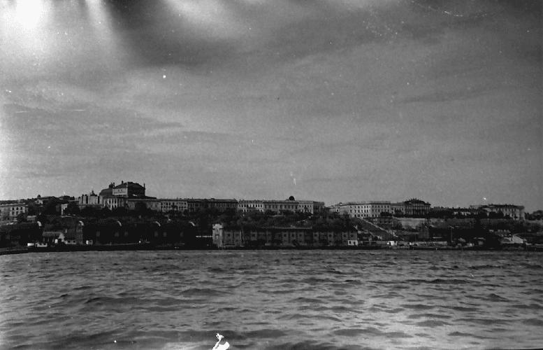 Oraşul Odessa văzut din largul Mării Negre în iunie 1943