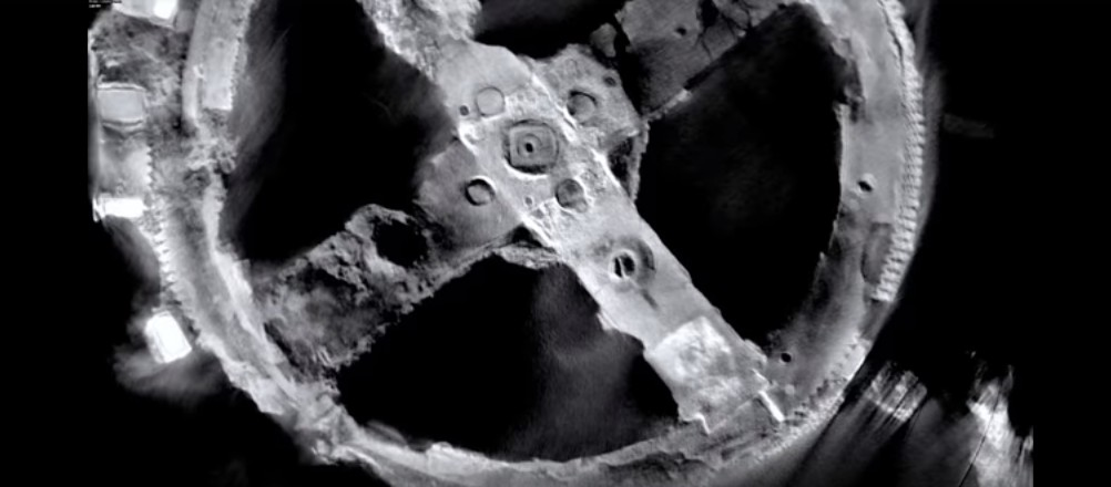 Interiorul mecanismului Antikythera scanat.